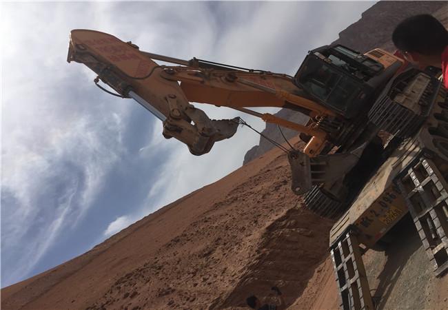 新疆工程机械10