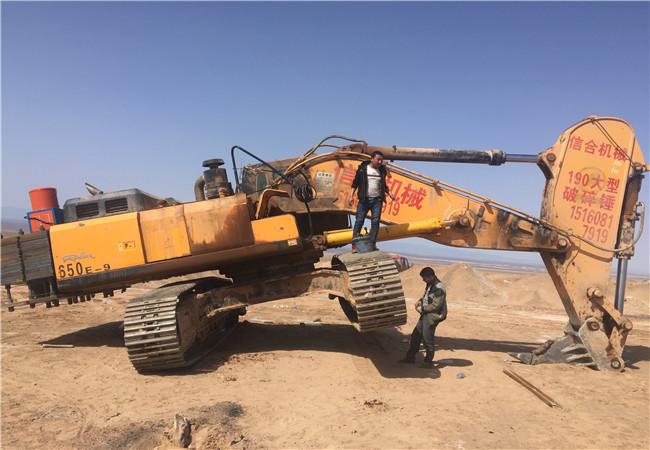 新疆工程机械04