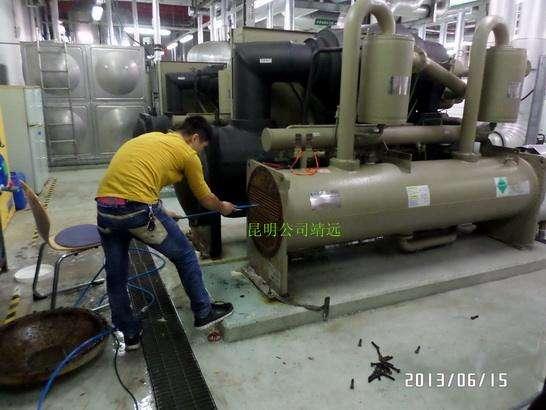 清洗中央空调管道