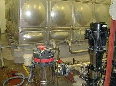 二次加压供水设备清洗