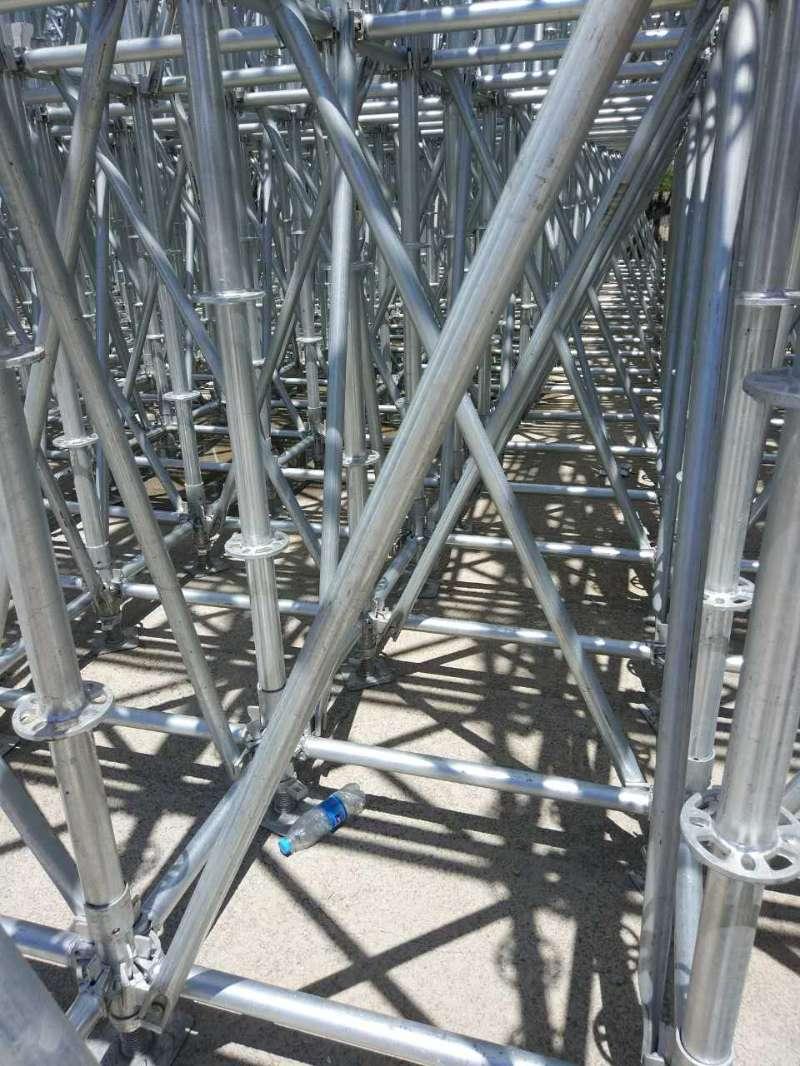 钢管扣件租赁分析扣件式钢管脚手架的优点与缺点