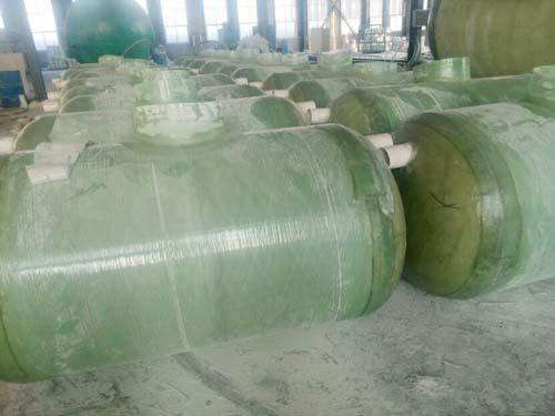 新疆玻璃钢化粪池厂家玻璃钢烟囱因为工作中接触有腐蚀气体等