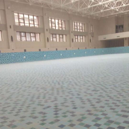 游泳池设备公司