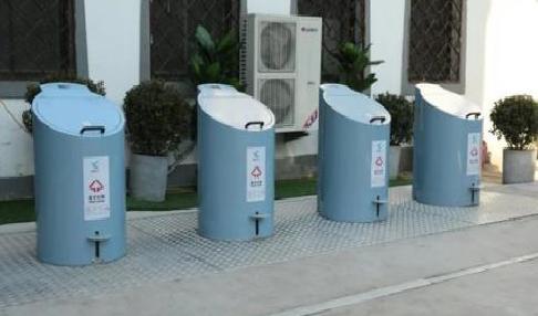 适合室外用的垃圾桶还可循环利用