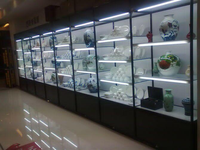 陶瓷工艺品展柜8