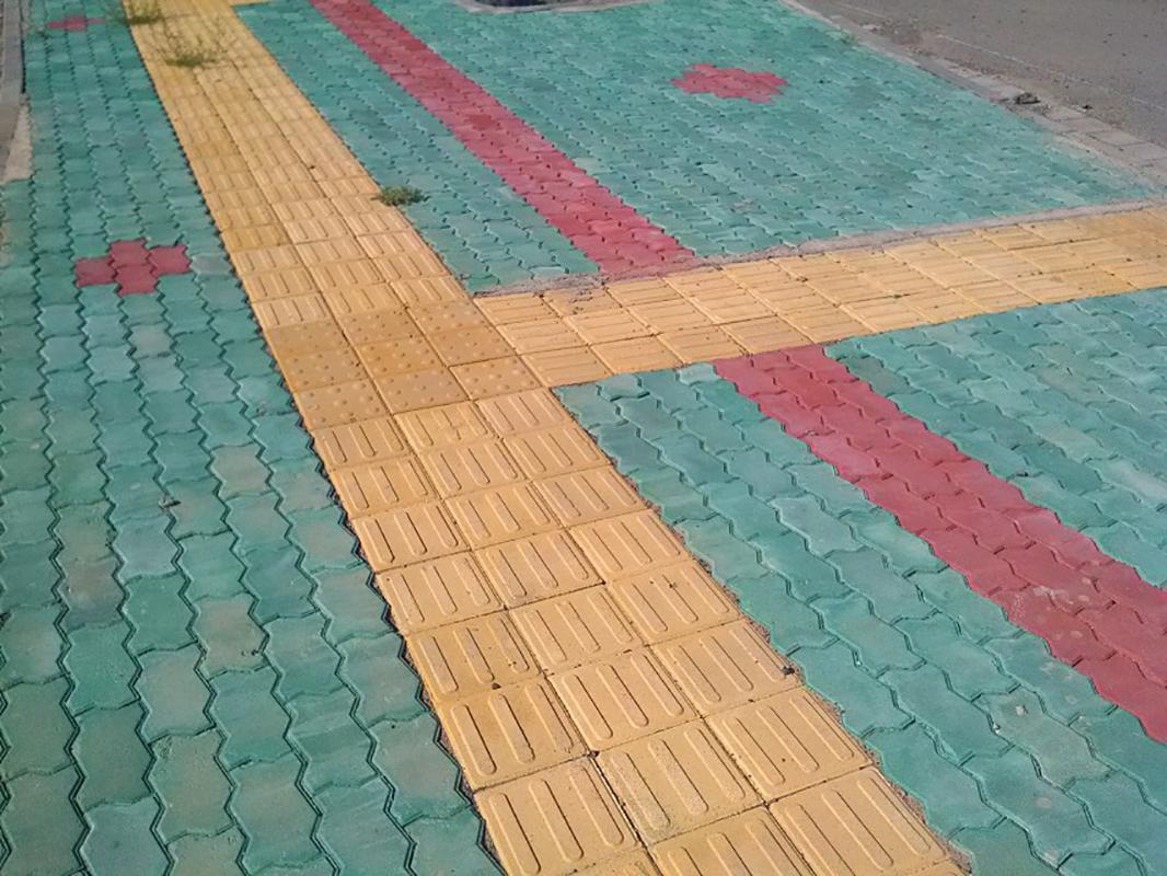 马路砖施工