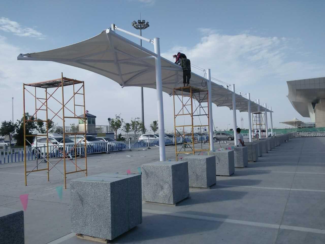 库尔勒机场停车站