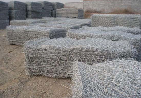 新疆不锈钢丝网和新疆格宾网为您介绍库房铁丝网更方便更漂亮
