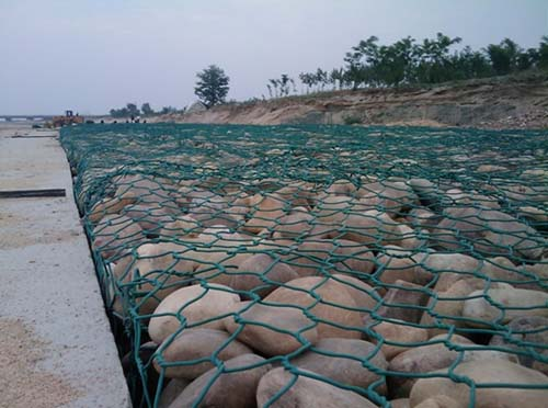 新疆护栏网厂家关于新疆不锈钢丝网的广泛用途