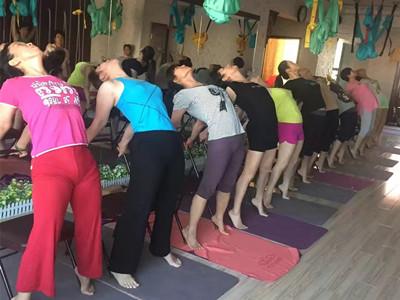 新疆瑜伽教练培训