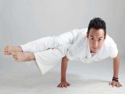男士瑜伽培训