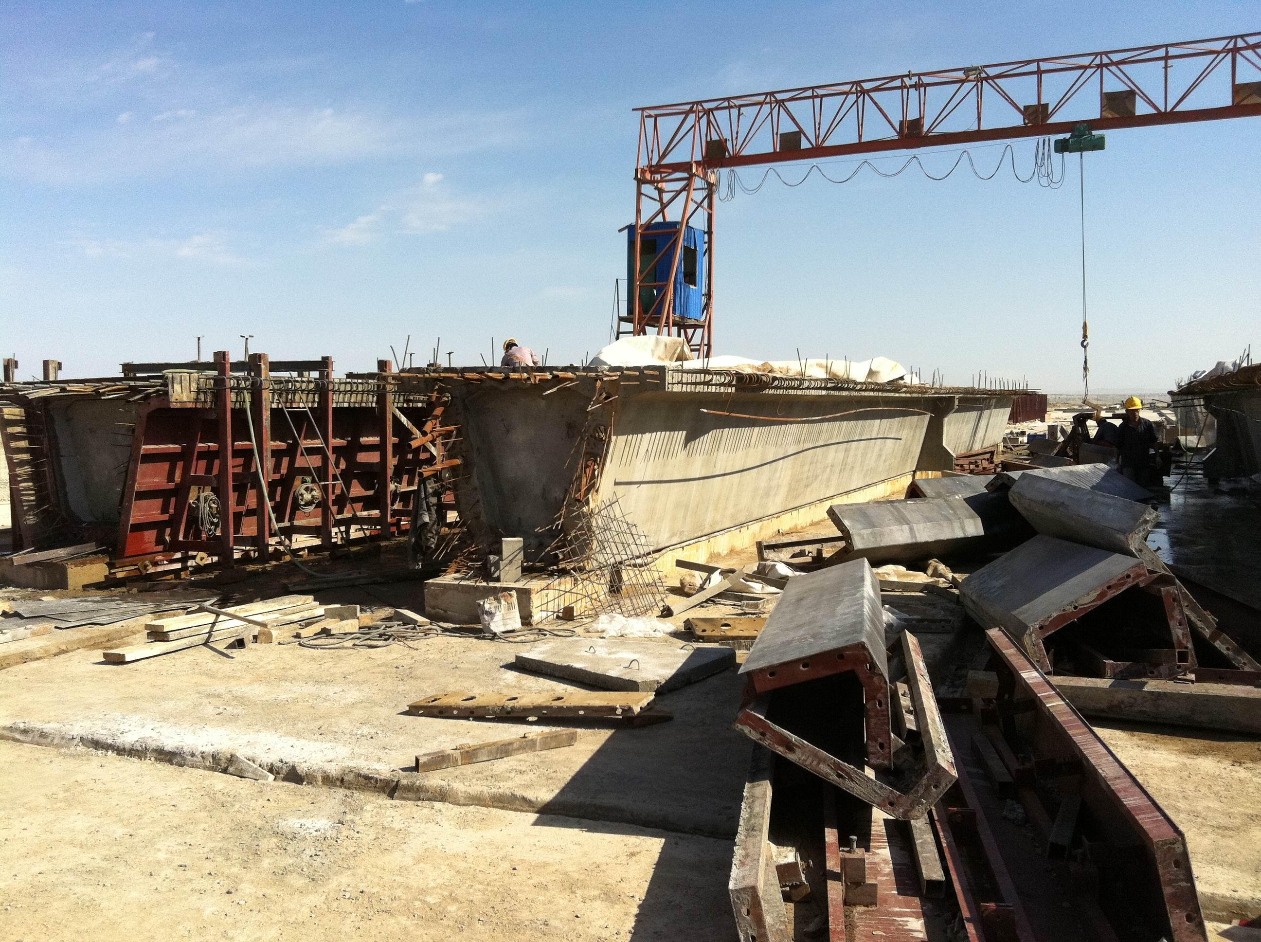 30米箱梁模板中铁十三局乌尔禾至阿勒泰高速公路应用实例