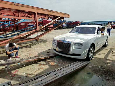 新疆铁路托运小汽车