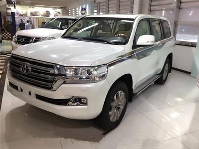 新疆丰田酷路泽4.0(进口)租车