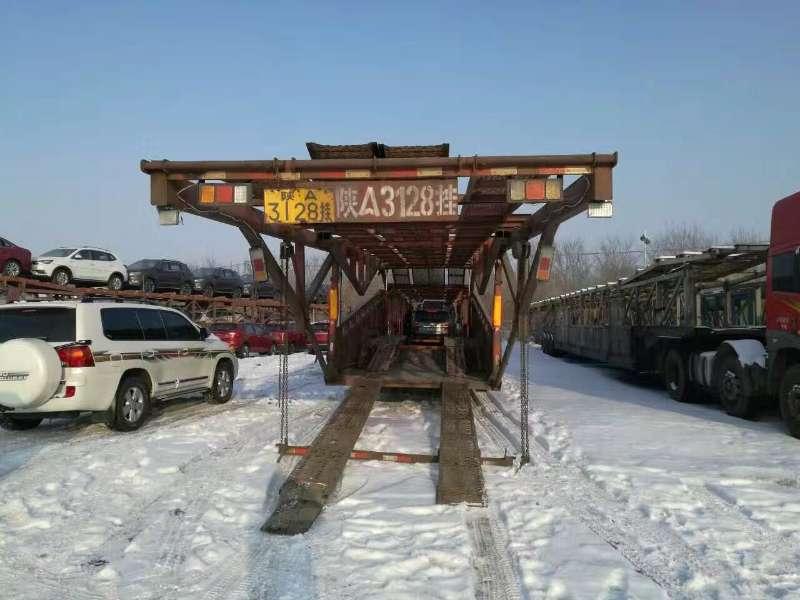 新疆小托运轿车