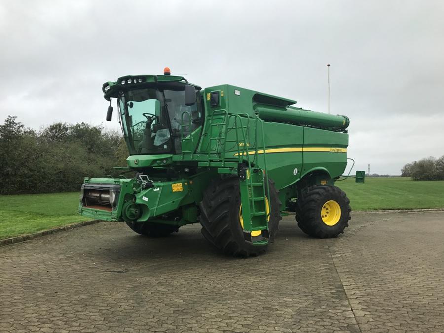 约翰迪尔 S690 收割机 S690 Harvester