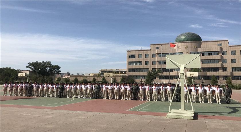 某小学军事拓展训练