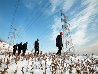 新疆无人机电力巡检