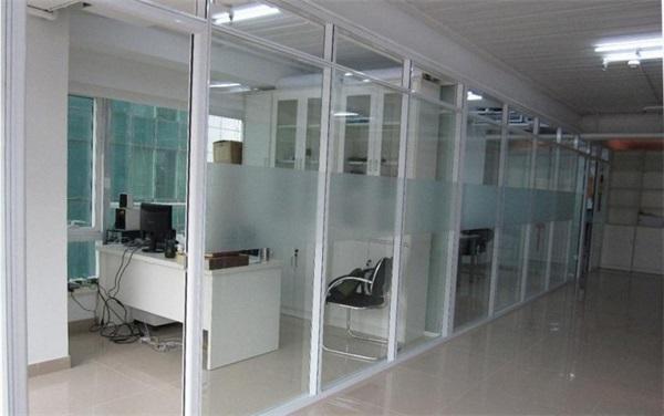 办公玻璃隔断施工