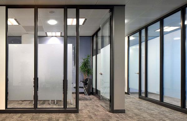 新疆办公玻璃隔断