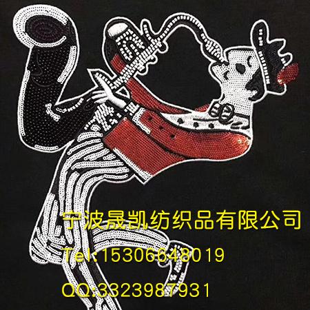 珠子绣音乐家图案