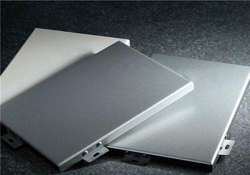 在铝单板中使用加强筋有什么好处