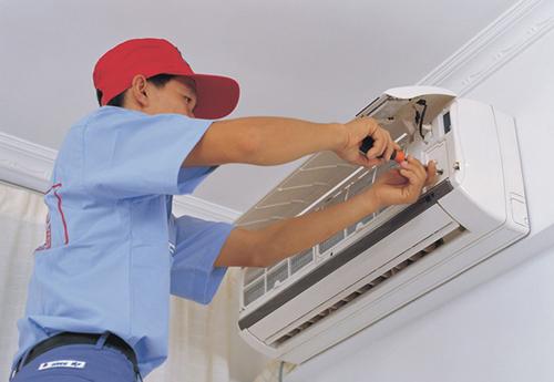 桂林秀峰区空调安装电话――空调外机?#36947;?#39118;室内机不制冷怎么维修