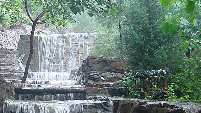 水泉沟纪念林