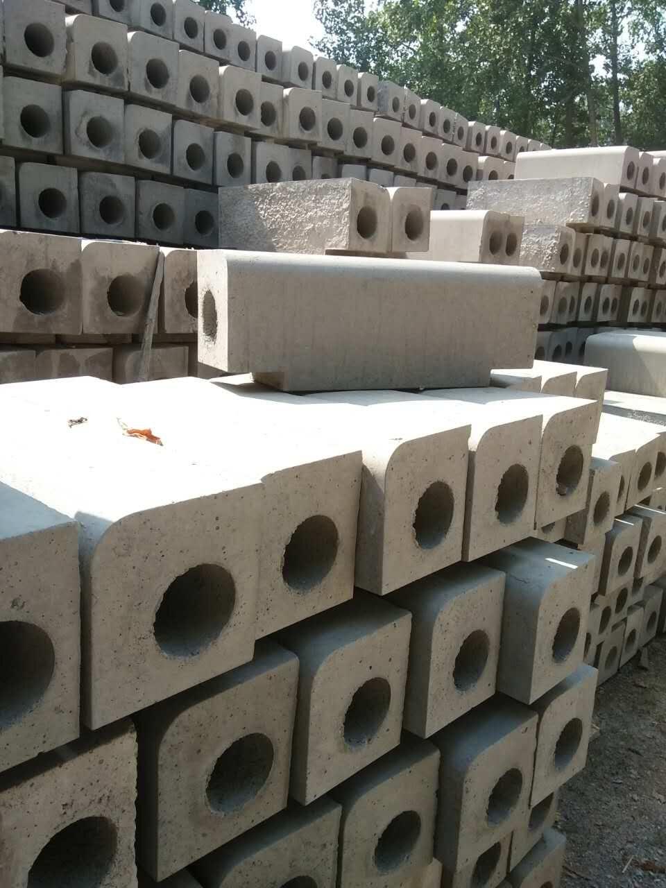 水泥管生产厂家直销介绍水泥管生产中芯模振动工艺