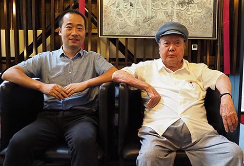 中国美术家协会顾问刘文西先生合影