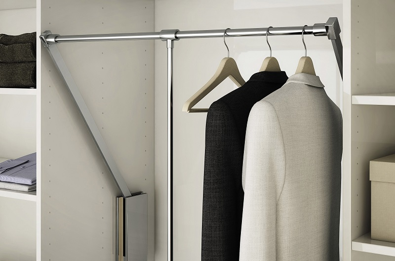 白色极简风衣柜效果图