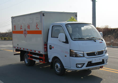 东风3米易燃固体厢式运输车