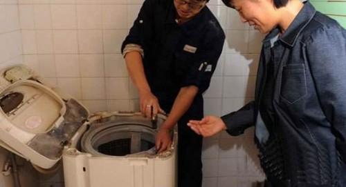 家电上门维修师傅来聊聊洗衣机脱水脱不干的原因