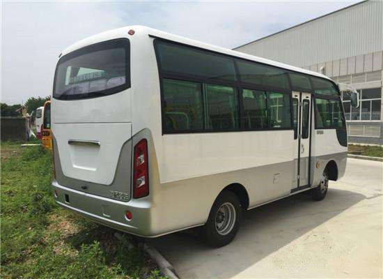 新疆旅游包车哪家好