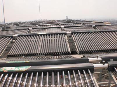 新疆人民医院120吨皇明太阳能热水工程