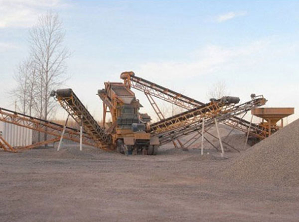 风化石制砂机现场