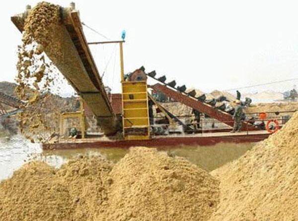 河卵石制砂机现场