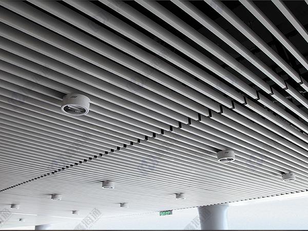 浅谈福建安装铝方通和铝格栅吊顶注意的问题!