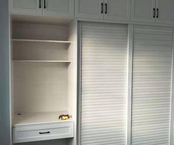 嵌入式衣柜