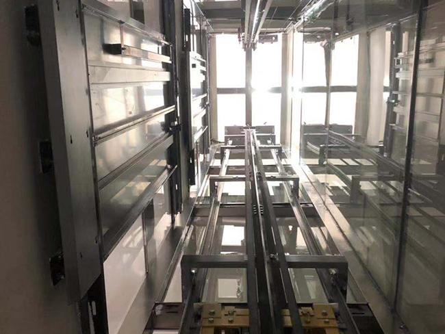 写字楼电梯