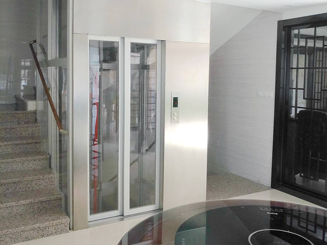无机房垂直电梯