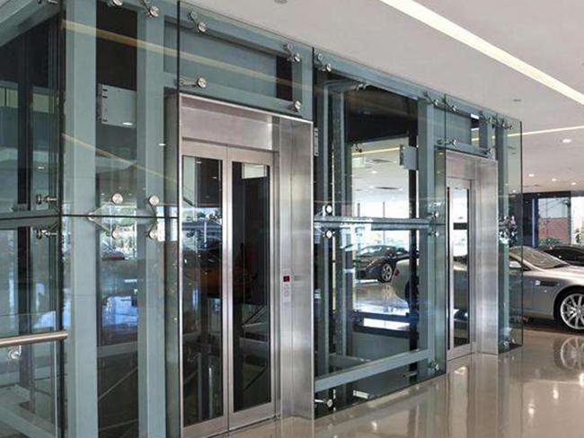 两层观光电梯