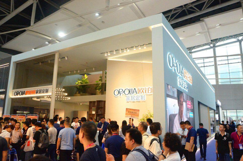 广州建博会开展首日,智能锁行业这四个趋势你发现了吗?