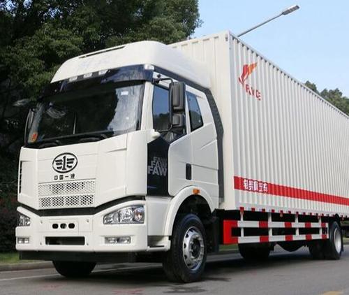 如果不装冷却液加热器的话,货车冷启动会很伤发动机的!