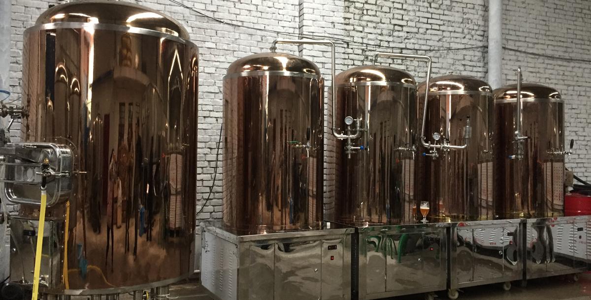 自酿啤酒设备厂家告诉你:怎么做能保证内部啤酒的干净度?