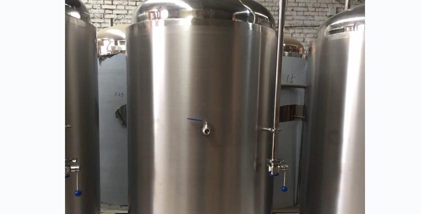 500升发酵罐拉丝
