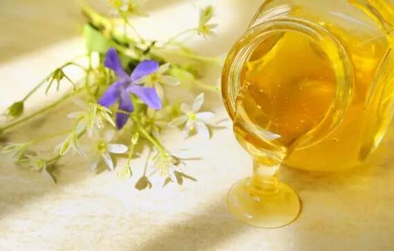 蓝沃蜂蜜厂蜂蜜常识:不用担心喝不到纯正蜂蜜