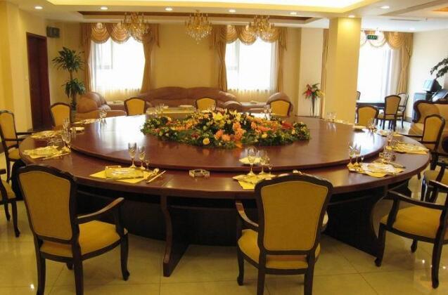 西安酒店桌椅回收