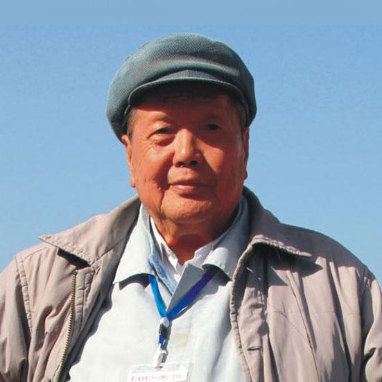 <h3>刘文西</h3><p>1933年出生于浙江省嵊州。现任中国美术协会顾问,陕西省文艺界联合会顾问,陕西省美协副主席,西安美术学院名誉院长,西安美院研究院院长</p><p></p>