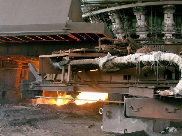 无水炮泥厂家浅谈酚醛树脂在高炉无水炮泥中的应用
